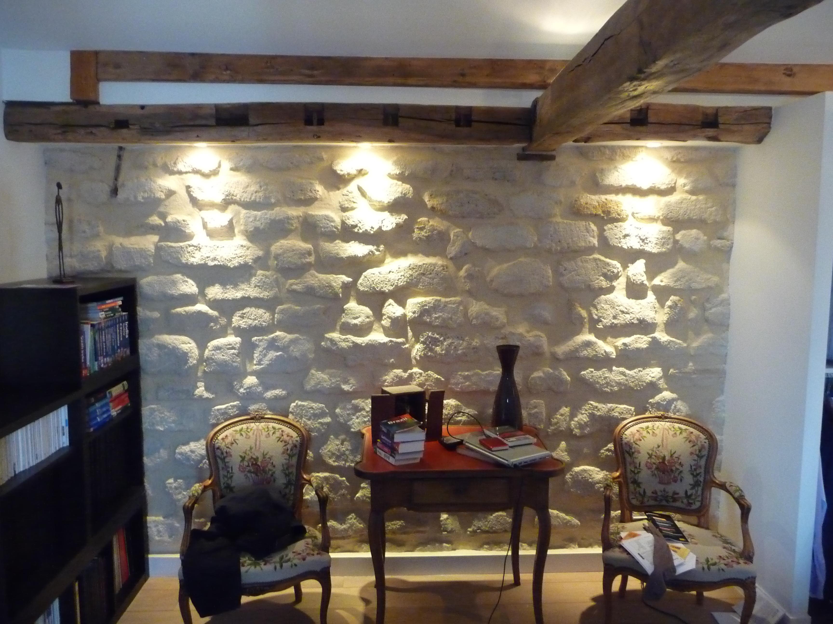 eclairage-mur-en-pierre